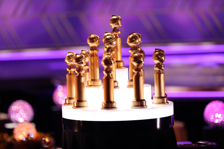 Image: Golden Globe statues