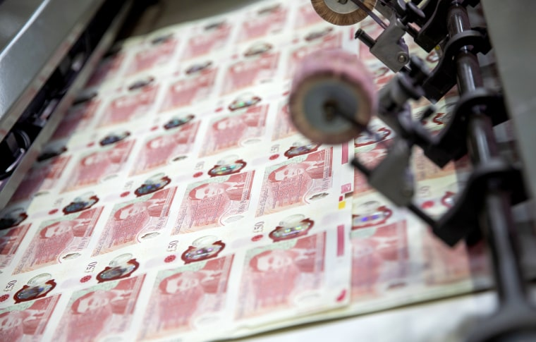 The Bank of England began circulating its new £50 bank notes featuring World War II codebreaker Alan Turing on Wednesday.