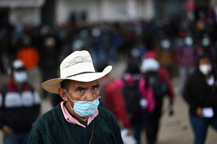 Image: GUATEMALA-POLITICS-INDIGENOUS-ROADBLOCK