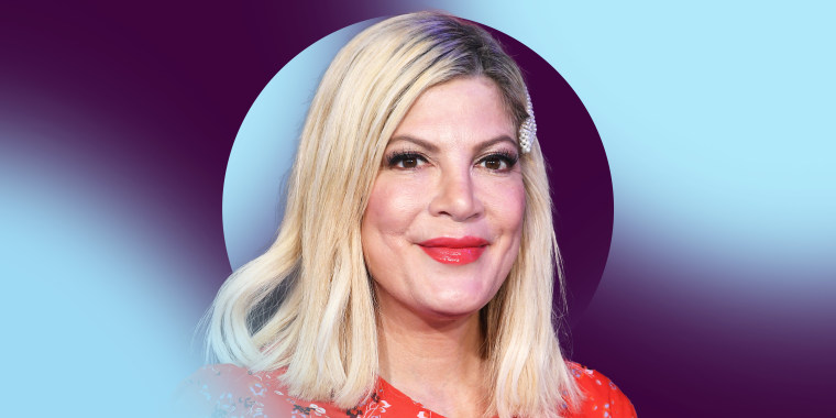 """Tori Spelling arrives at the Premiere Of Sony Pictures' """"Jumanji: The Next Level"""" on December 09, 2019 in Hollywood, California."""