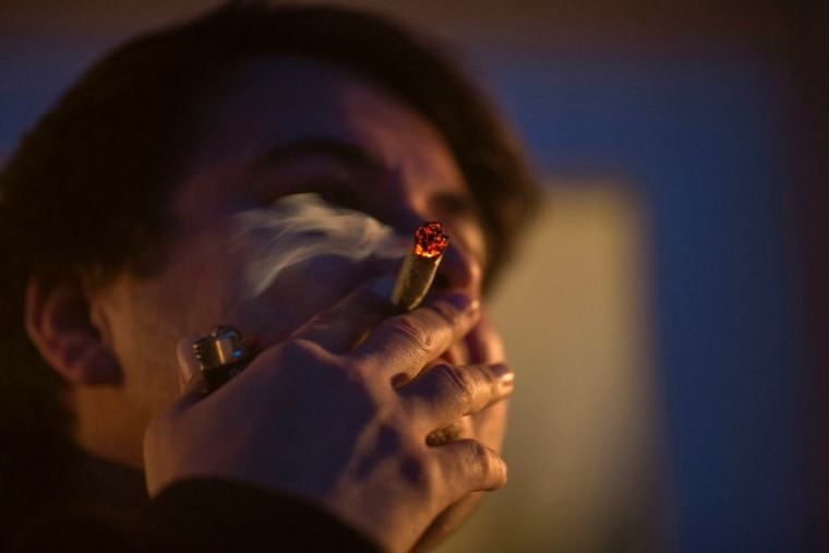 El mayor porcentaje de las personas a beneficiarse con el perdón a las condenas por marihuana son de origen latino y afroestadounidense.