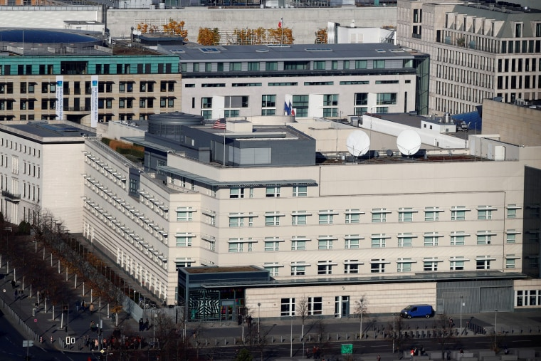 Image: FILE PHOTO: The U.S. Embassy is pictured in Berlin