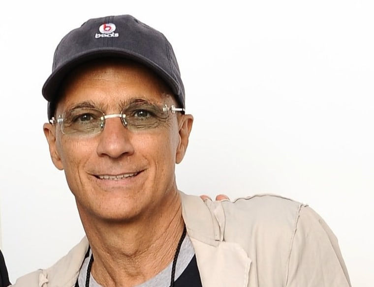 ""\""""Idol"""" mentor Jimmy Iovine should take a seat at the judges' table.""760|584|?|en|2|6c46df6d7d0c00a0339a912dc5a421eb|False|NSFW|0.28692495822906494