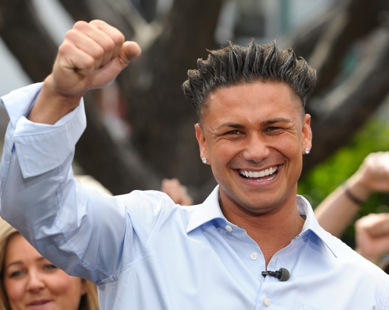 ""\""""Jersey Shore's"""" Pauly D certainly has something to smile and fistpump about -- he makes about $2 million per season on the reality show.""760|606|?|en|2|c16dc7f1c49f0b39b32230b167f31ac9|False|UNSURE|0.37263718247413635