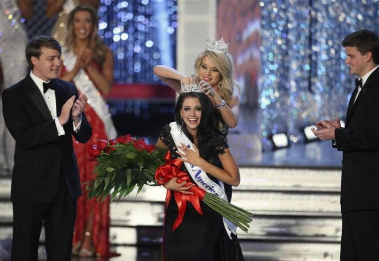 Miss Wisconsin Laura Kaeppeler is crowned as Miss America 2011.