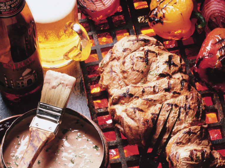 Beer and barbecue is the perfect way to celebrate Labor Day. Quench your thirst with delicious American craft brews!