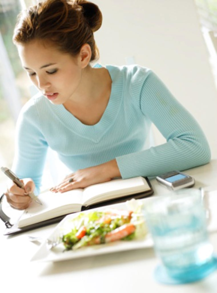 Women who kept track of their food intake in a journal, didn't skip meals and avoided eating out were most successful at losing weight, a new study finds.