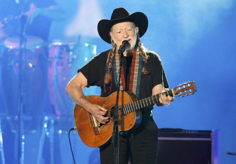 """Willie Nelson's performance of """"Roll Me Up and Smoke Me When I Die"""" was among the night's best performances."""