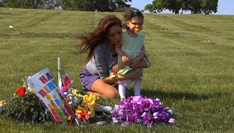 Farrah visits the gravesite of Sophia's father.
