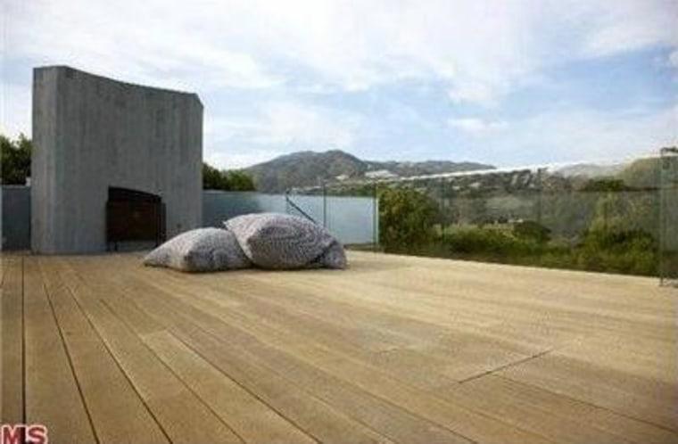Pamela Anderson's Malibu home features an enormous outdoor deck.