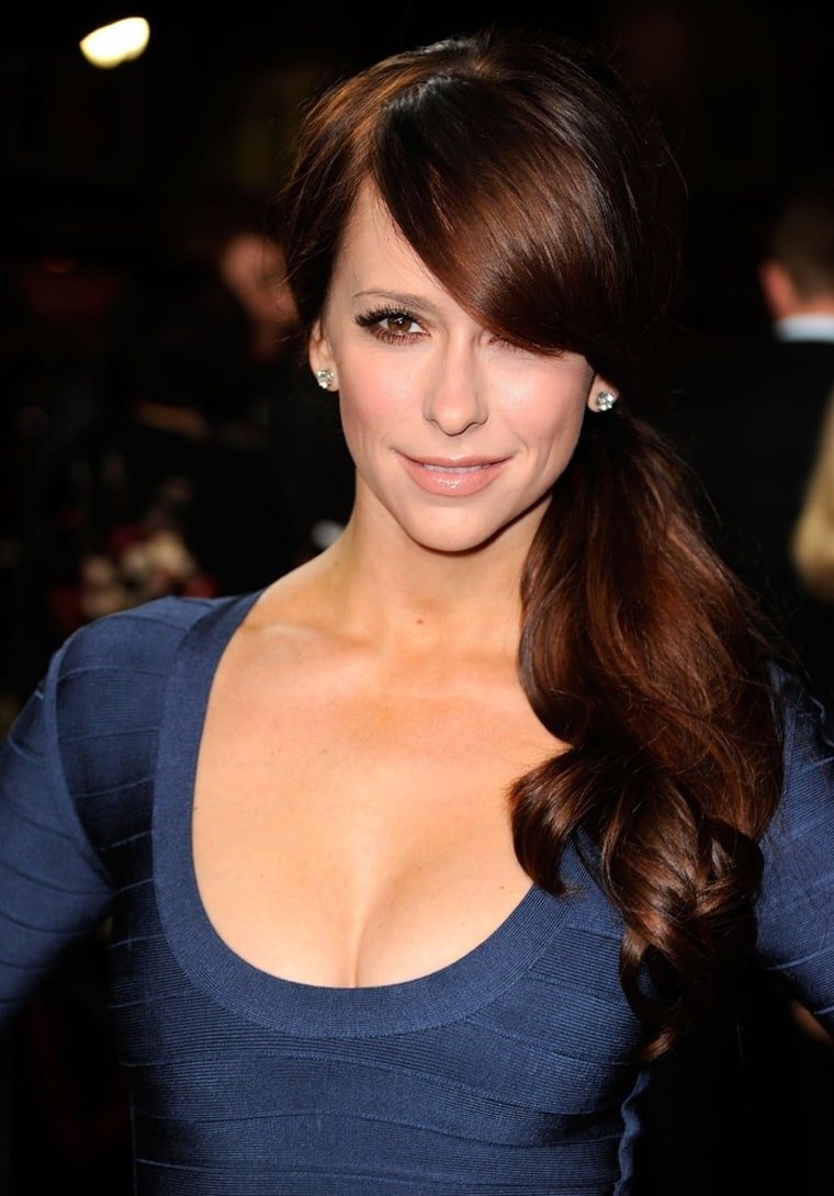 """LOS ANGELES, CA - OCTOBER 25:  Actress Jennifer Love Hewitt arrives at the Premiere of Paramount Pictures' \""""Like Crazy\"""" held at the Egyptian Theater on October 25, 2011 in Los Angeles, California.  (Photo by Frazer Harrison/Getty Images)"""