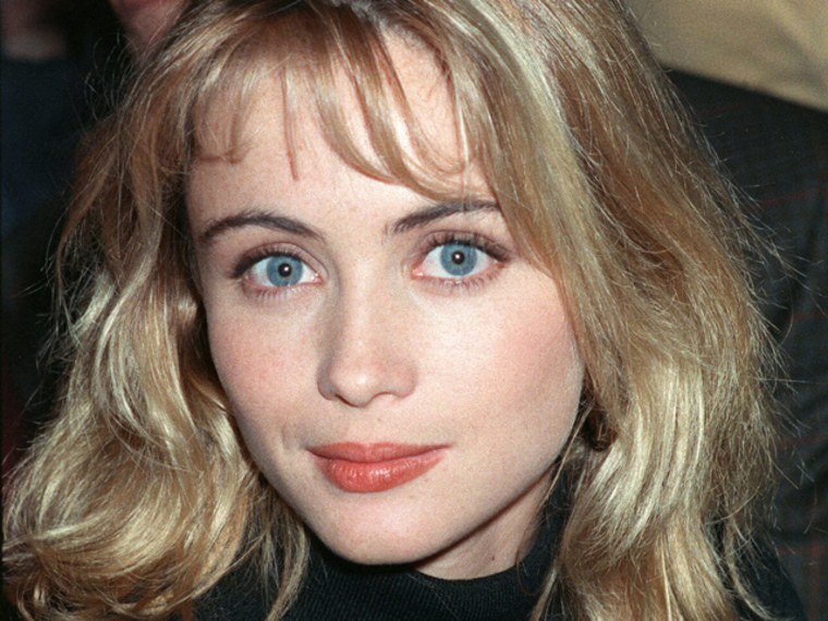 PARIS, FRANCE:  French actress Emmanuelle Beart is pictured 15 December 1987 in Paris.  AFP PHOTO BERTRAND GUAY   (Photo credit should read BERTRAND GUAY/AFP/Getty Images)