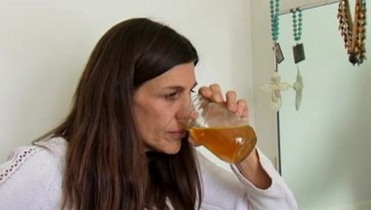 """Carrie shares her urine obsession on the next episode of \""""My Strange Addiction.\"""""""