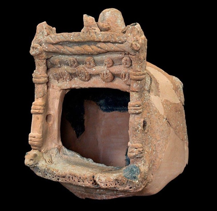 A decorated clay shrine model was found at the Khirbet Qeiyafa site.