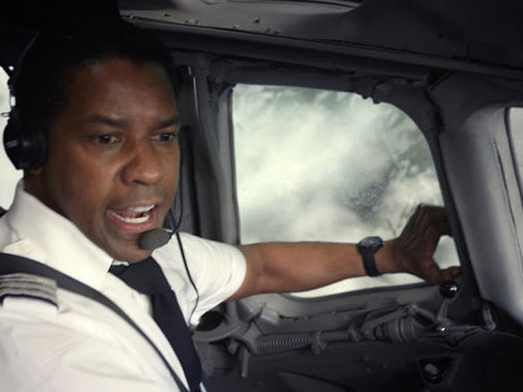 Denzel Washington portrays an alcoholic pilot in