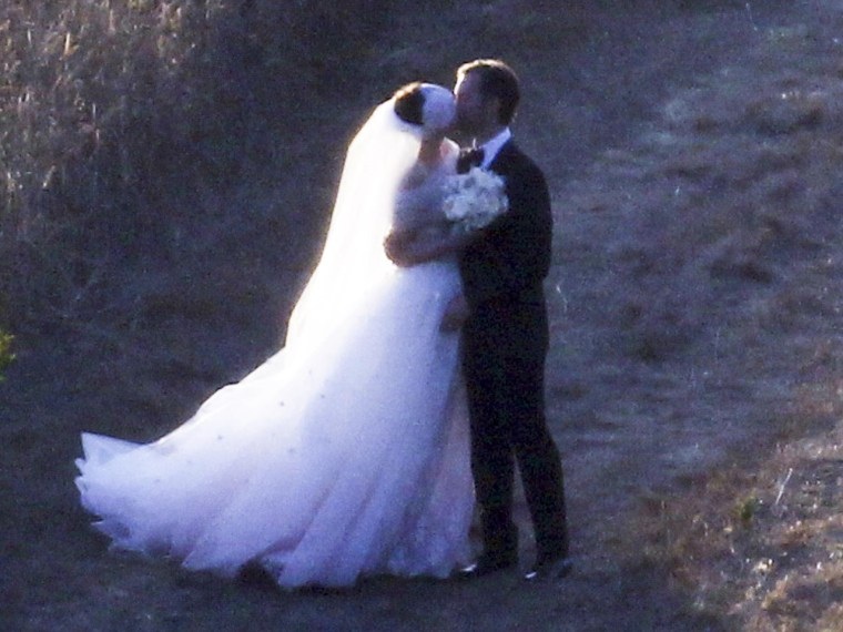 Anne Hathaway marries Adam Shulman in a romantic ceremony held at a private estate in Big Sur, Calif.