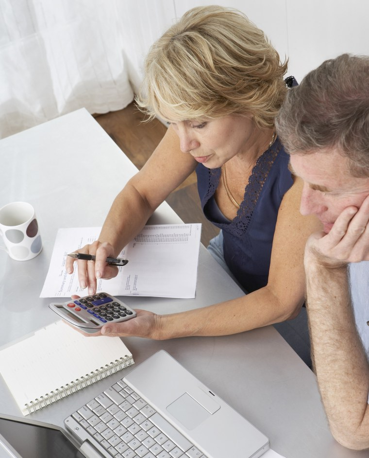 As couples plan for retirement, there is a helpful checklist they ought to consult to make sure they have enough money to maintain their accustomed lifestyle after they quit working.