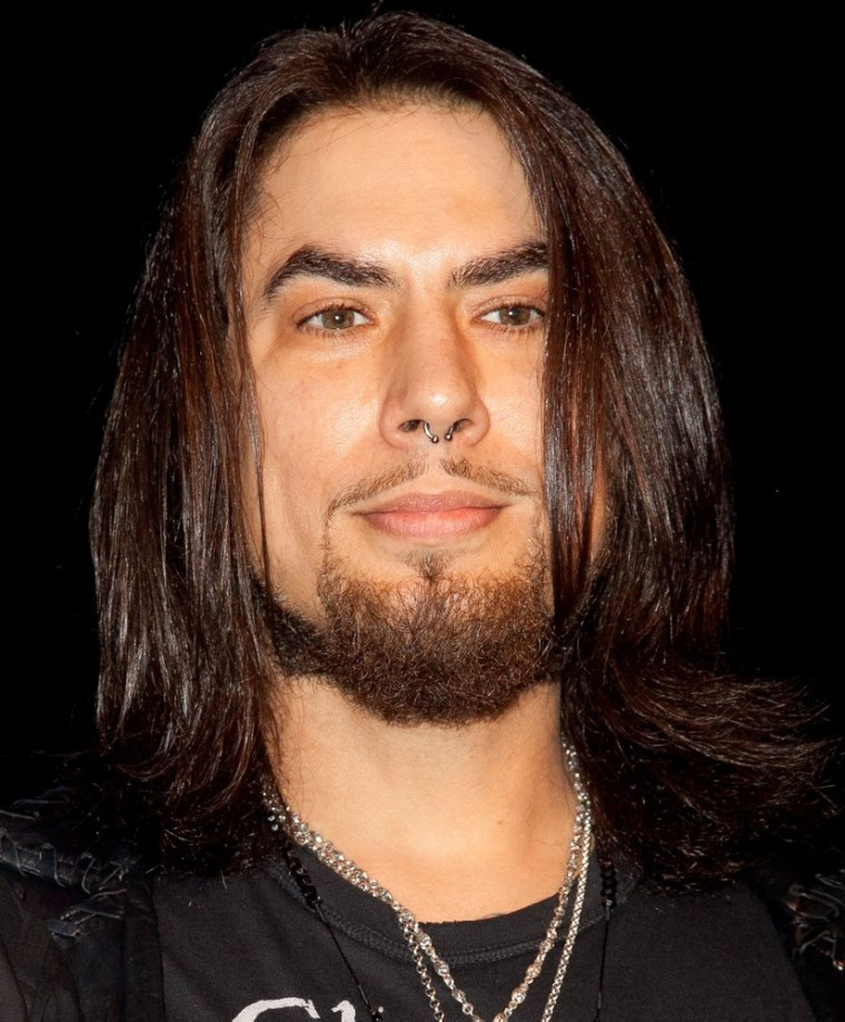 """Dave Navarro is set to guest on """"SoA."""""""