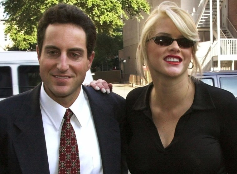 Anna Nicole Smith with Howard K. Stern in October 2000.