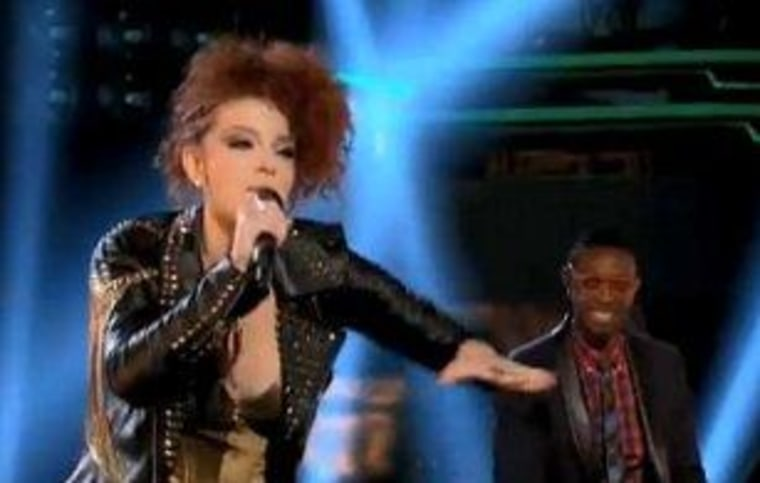 """Chevonne and De'Borah face off in the knockout rounds on \""""The Voice.\"""""""