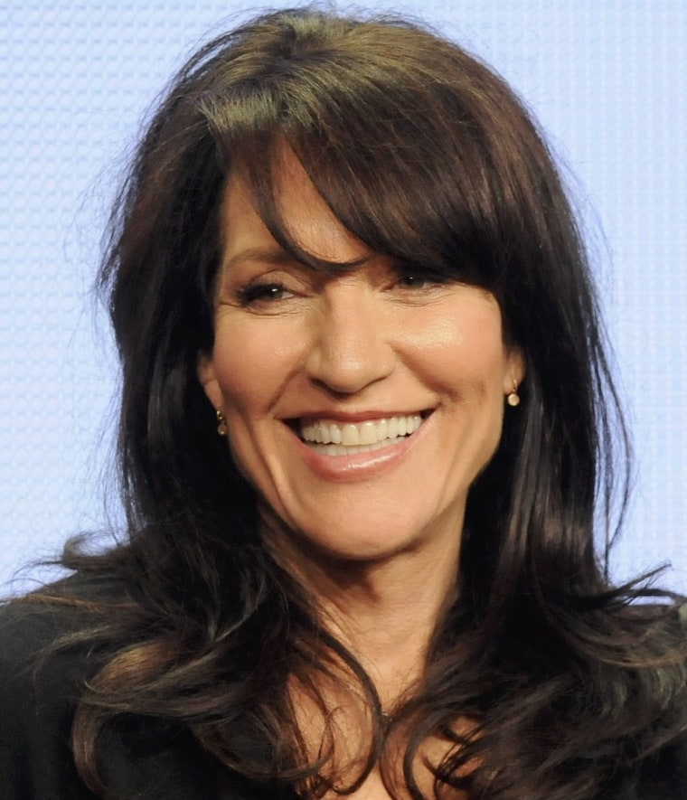 Glee Hires Sons Of Anarchys Katey Sagal To Play Arties Mom-9826