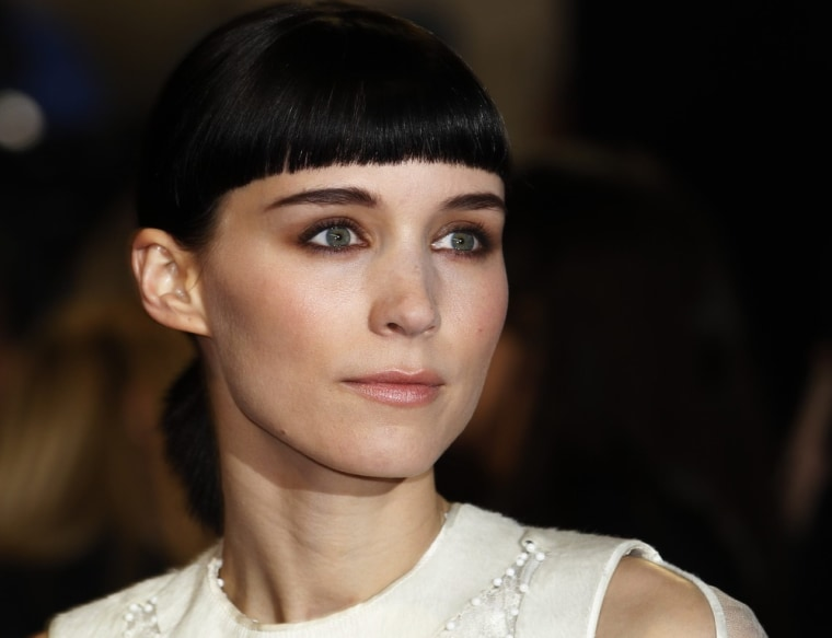 ""\""""The Girl With the Dragon Tattoo"""" star Rooney Mara says the 2006 episode of """"SVU"""" that she had a guest starring role in was """"ridiculous.""""""760|583|?|en|2|3f7603349d70bf54195aa189c2ba8581|False|UNSURE|0.28372856974601746