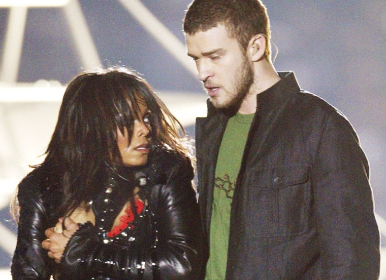 Super Bowl XXXVIII 1/2Time Janet Jackson Flashes a Much