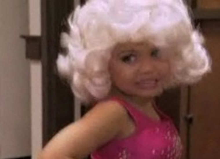 """Madison dressed as Dolly Parton on TLC's \""""Toddlers & Tiaras.\"""""""