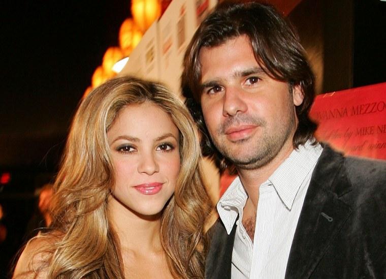 Shakira and Antonio de la Rua in 2007.