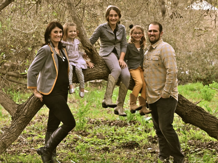 Michelle Mathis and her daughters Alexa, Shay, Delia and husband Brock