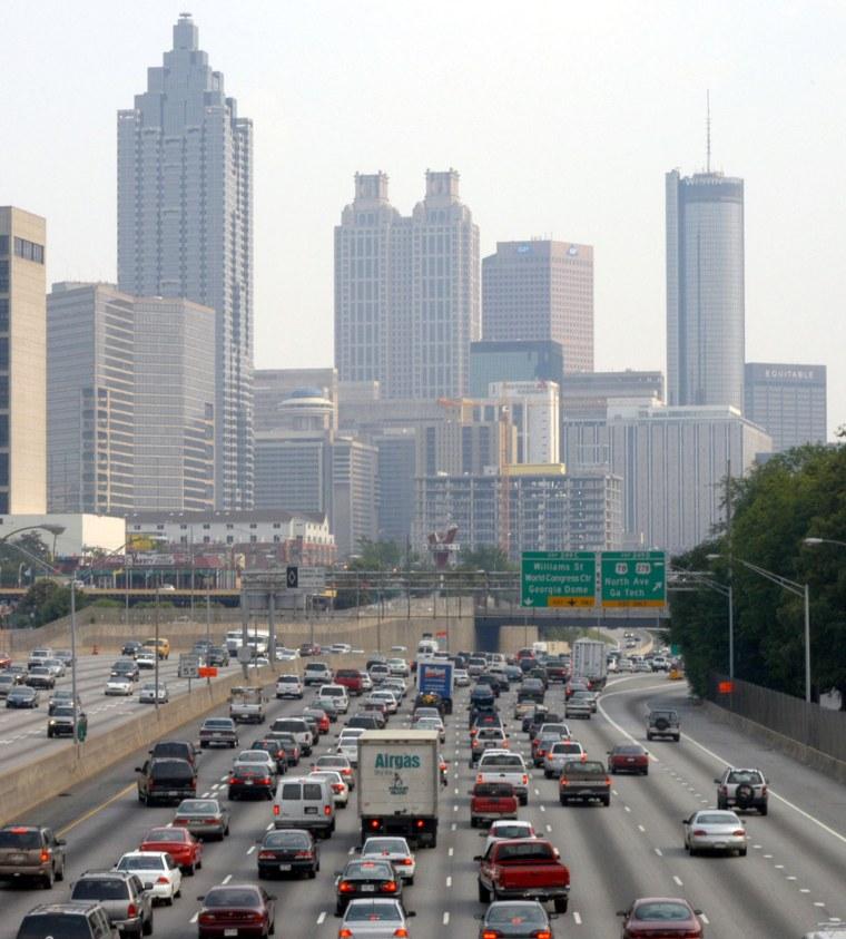ATLANTA - MAY 9: Traffic crawls through downtown Atlanta along Interstate 75/85 during rush hour May 9, 2005 in Atlanta, Georgia. According to a new s...