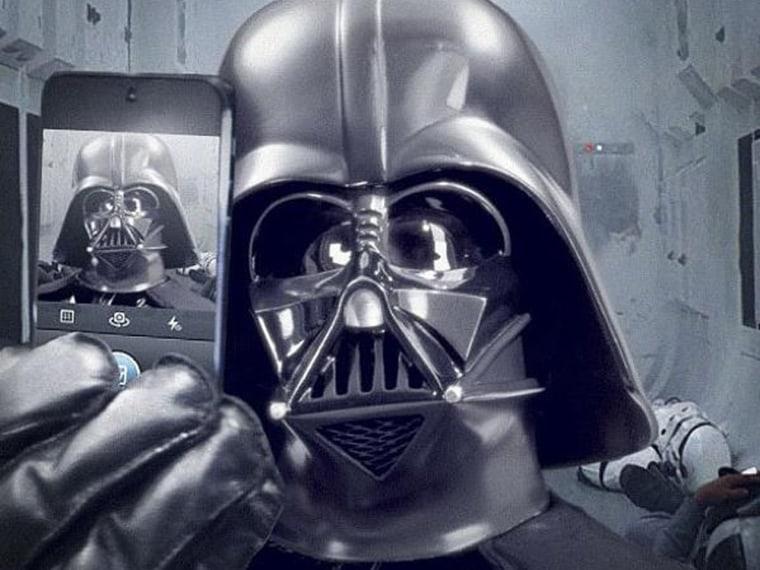 Image: Darth Vader selfie