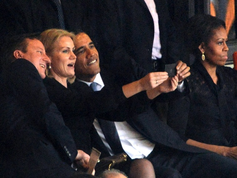 ALTERNATIVE CROP  US President  Barack Obama (R) and British Prime Minister David Cameron pose for a picture with Denmark's Prime Minister Helle Thorn...