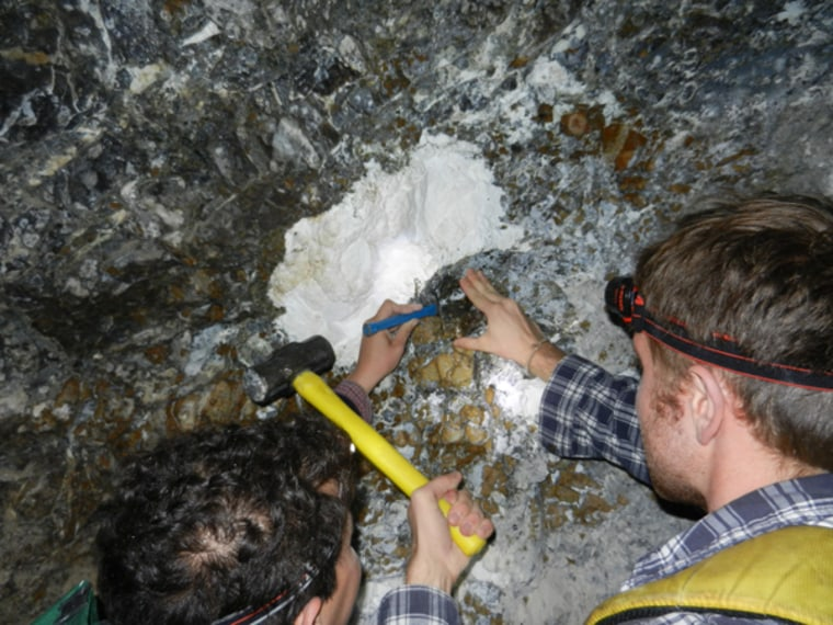 Abandoned mine could yield clues to stopping global warming