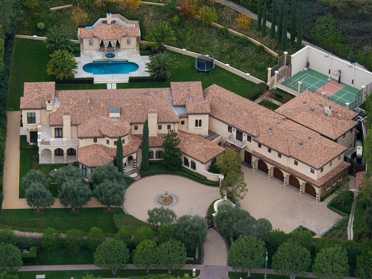 Barry bonds estate gets price cut for Sport court cost per square foot