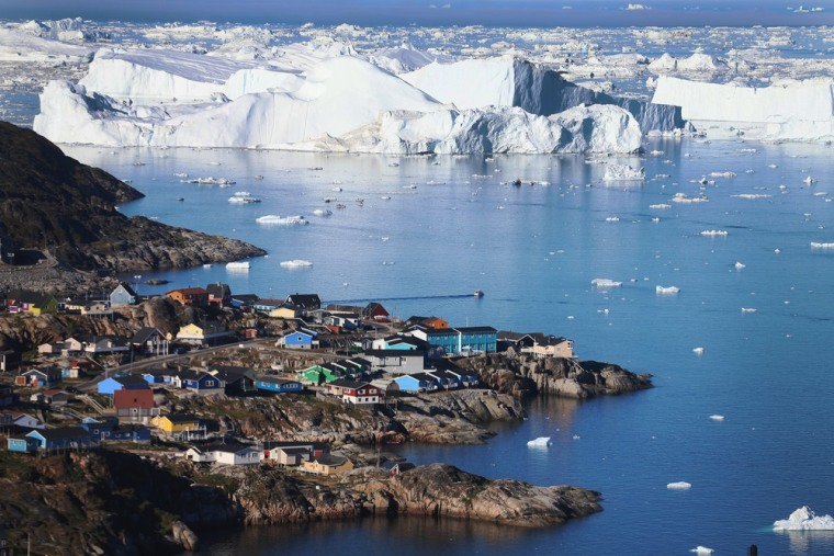 Image of icebergs in Greenland
