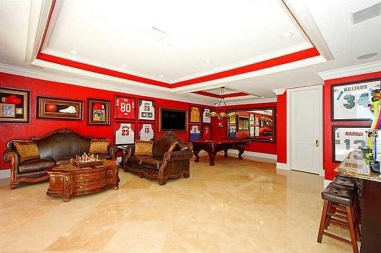 Touchdown! 10 man caves perfect for watching the Super Bowl