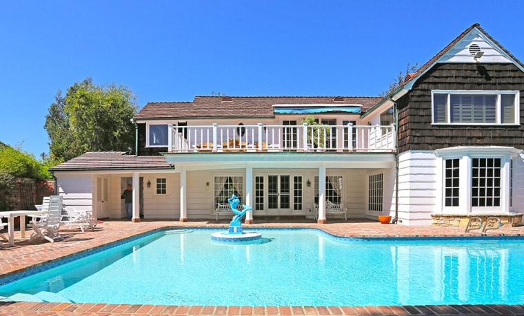 This Beverly Hills home was formerly owned by actor Ernest Borgnine.