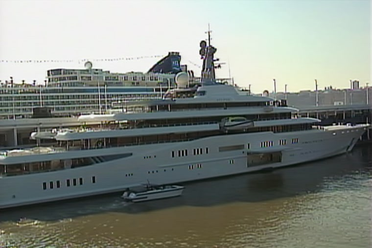 Mysterious Russian Tycoon S Mega Yacht Makes Waves In Nyc