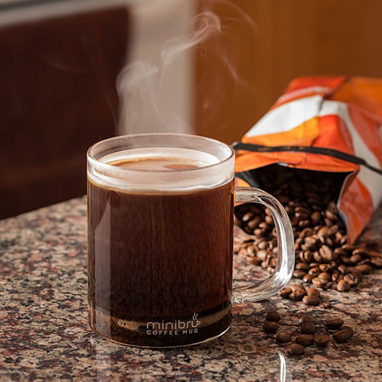Save a step with the minibru, and make your coffee in its mug!