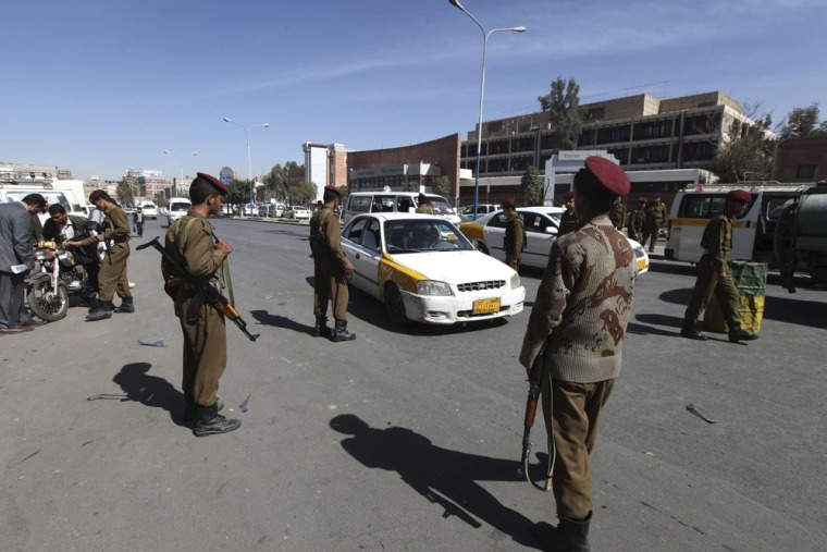 Army checkpoints in Yemen search for militants, Saturday