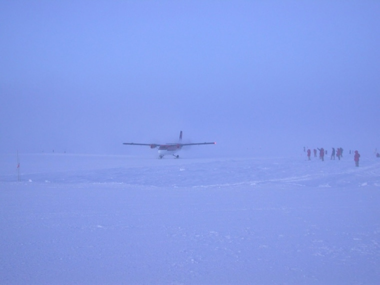 A De Havilland Twin Otter like the one missing since Wednesday lands at the National Science Foundation's Amundsen-Scott South Pole Station in 2003.