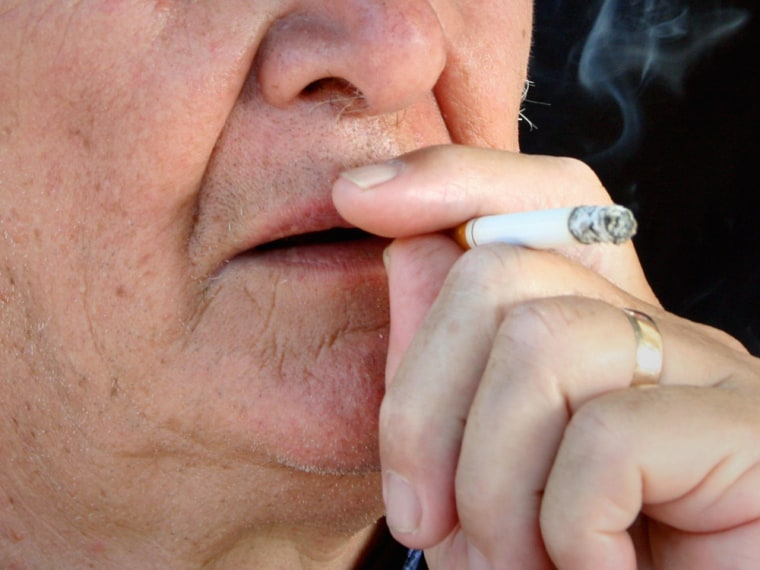 About 13 percent of double-lung transplants in the U.S. came from donors who were heavy smokers, a new study finds.