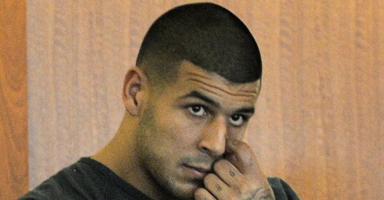 Ex-NFL star Aaron Hernandez due in court in murder case