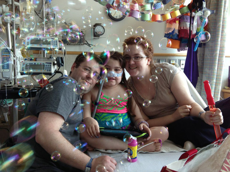Sarah Murnaghan, 10, shown with her parents Janet and France Murnaghan has cystic fibrosis and needs a lung transplant.