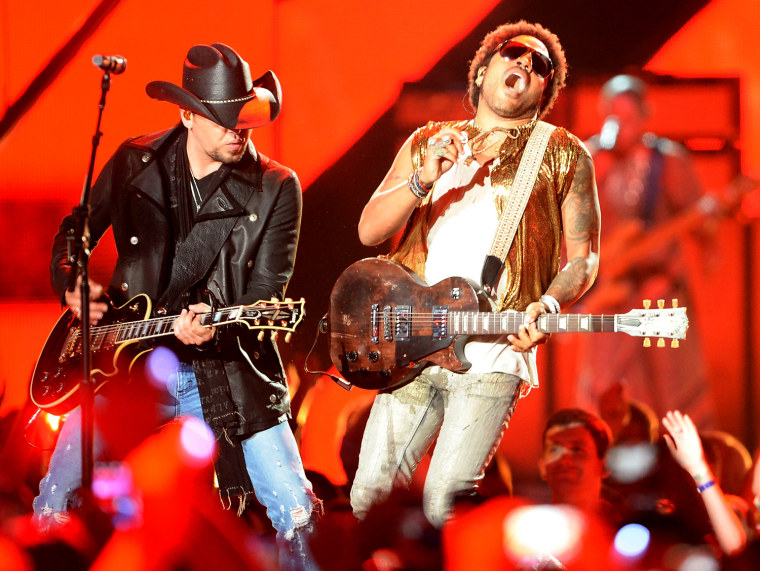 Rock, rap mixes with country as stars celebrate CMT Music Awards