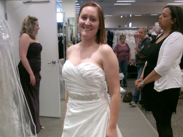 Who Designed Megan S Wedding Dress.Bride Who Lost Gown In Tornado Gets Surprise Dream Dress
