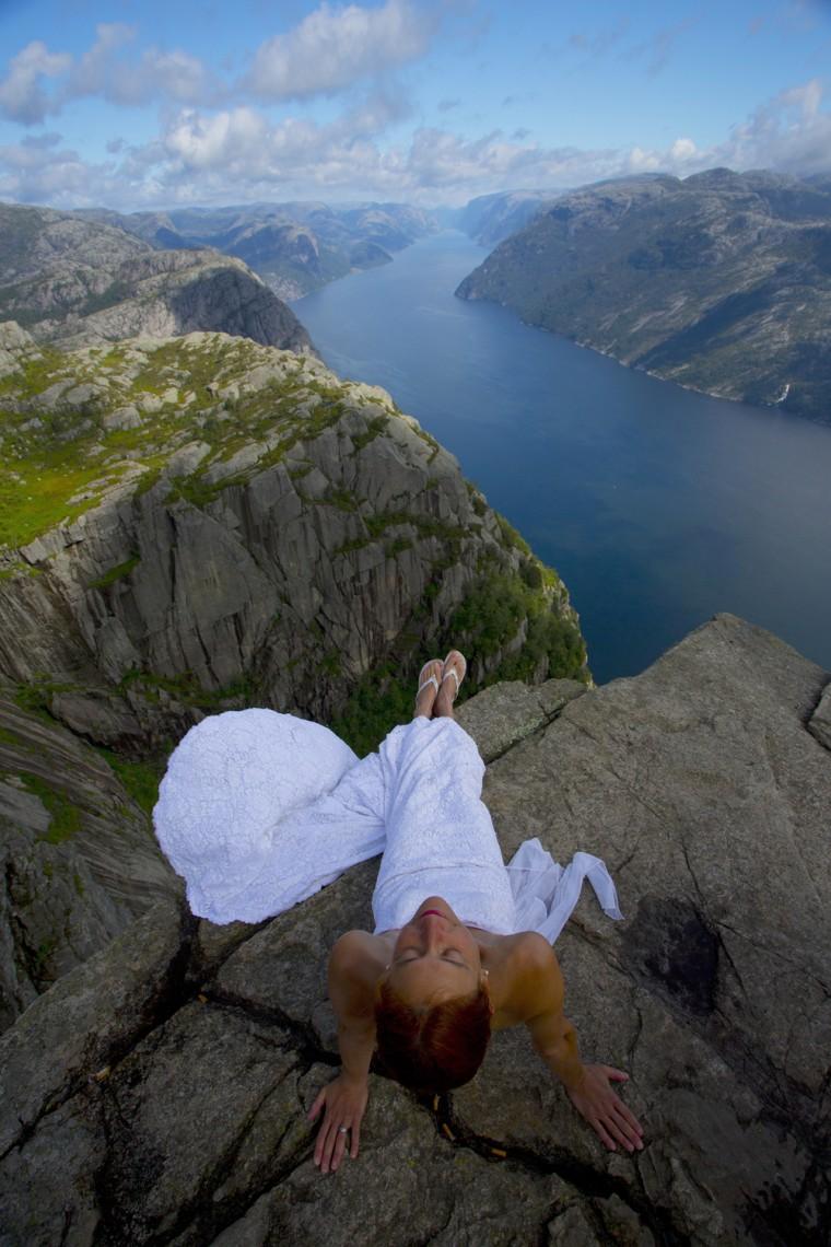 The wedding dress traveled to Norway.