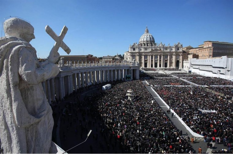St. Peter's Square packed with people.