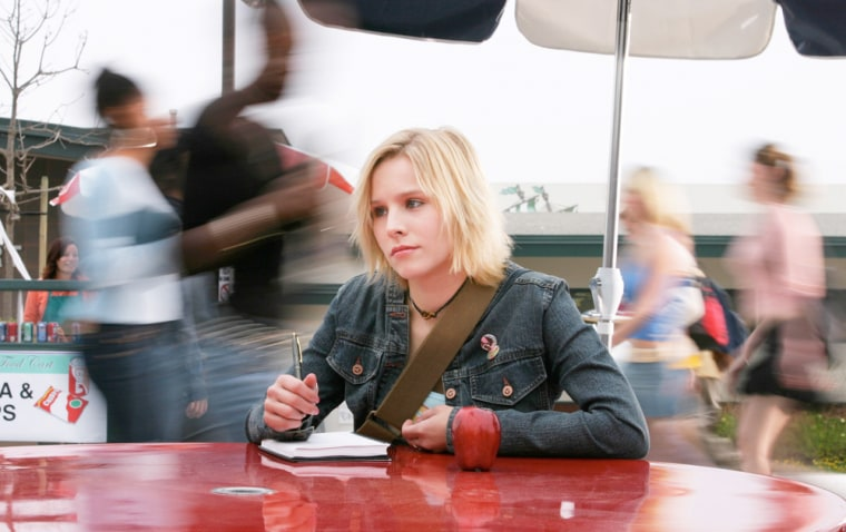 """Kristen Bell, seen here on the show's first season in 2004, is ready and willing to make a """"Veronica Mars"""" movie."""